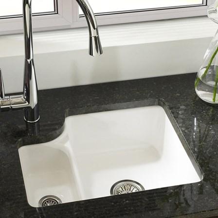 Astracast Lincoln White Ceramic 1 5 Bowl Undermount Sink