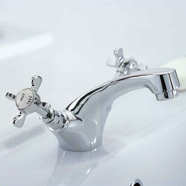 Mayfair Westminster Mono Basin Mixer with Clicker Waste