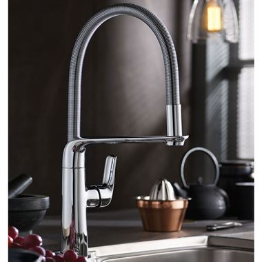 Vellamo Icon Kitchen Tap with Flexible Pull-Away Head - Chrome