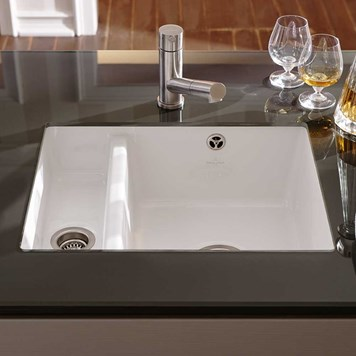 Villeroy & Boch Subway XU Alpine White Ceramic 1.5 Bowl Undermount Sink